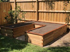 Raised garden bed U-shaped
